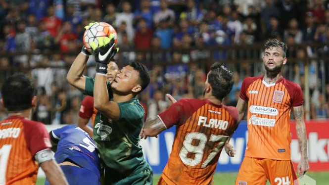 Kiper Pusamania Borneo FC, Dian Agus Prasetyo.