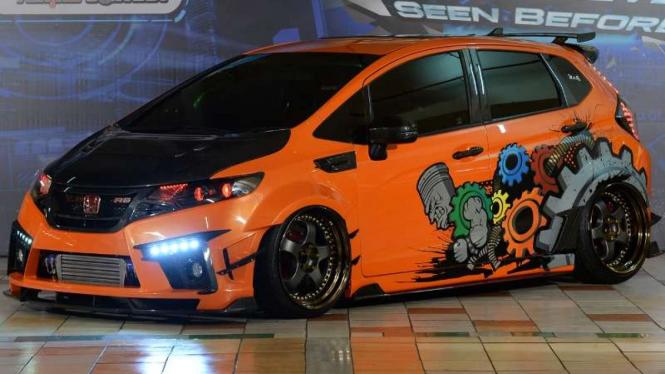 Raja Honda Jazz Dari Surabaya Modifikasi Habis Rp500 Juta Viva