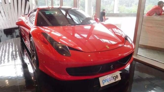 Mobil Ferrari bekas