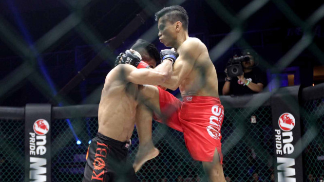 Salah satu duel di One Pride MMA
