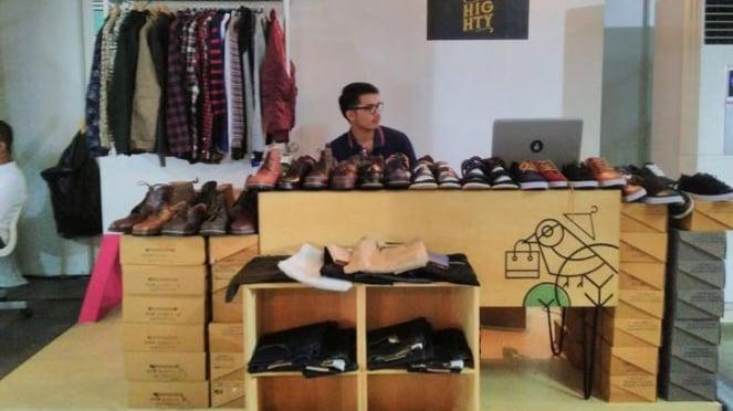 Wirausahawan muda di bidang sepatu.