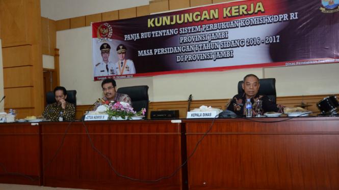 Wakil Ketua Komisi X DPR RI Sutan Adil Hendra