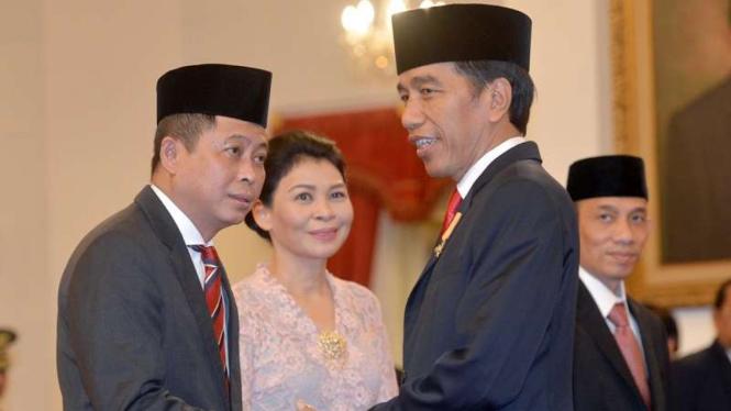 Presiden Joko Widodo dan Ignasius Jonan.