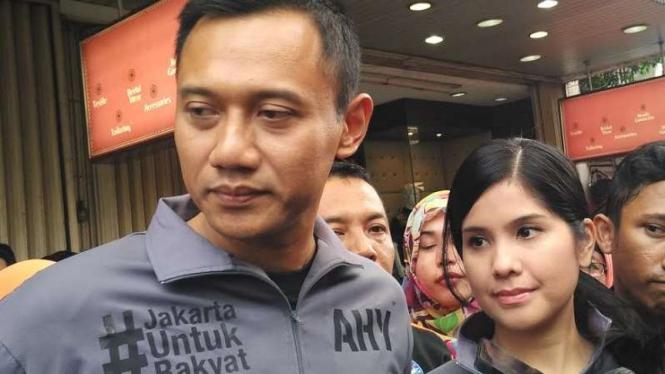 Agus Harimurti Yudhoyono dan istri.