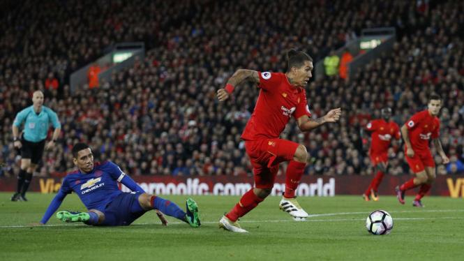 Liverpool saat menghadapi Manchester United