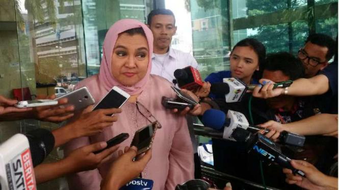 Anggota DPD RI Emilia Contessa diperiksa KPK