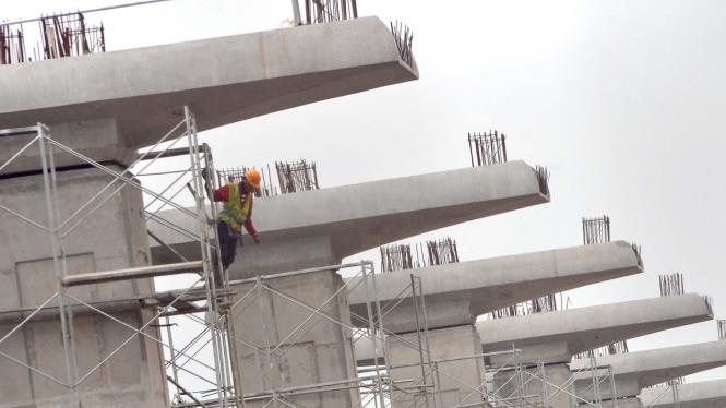 Pembangunan proyek Light Rail Transit (LRT) di Cibubur, Jawa Barat