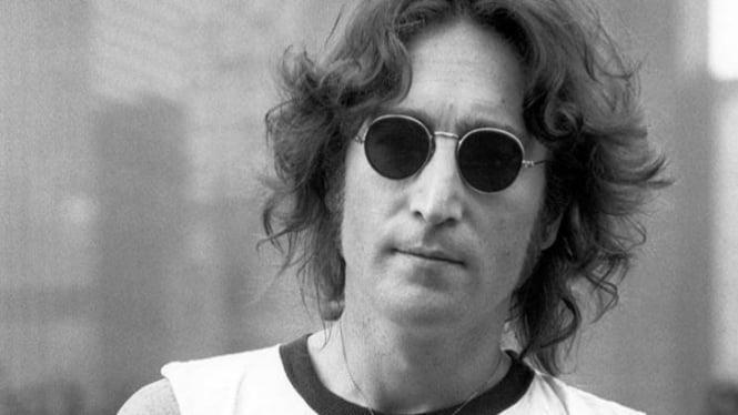 John Lennon, The Beattles.