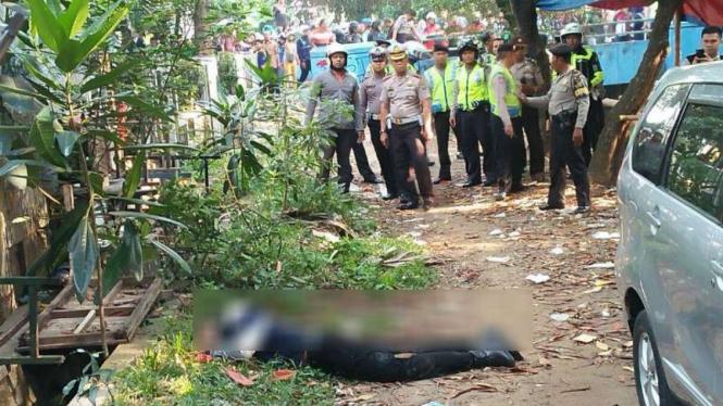 Penyerangan terhadap anggota polisi di Pos Lalu Lintas, di Tangerang Kota.