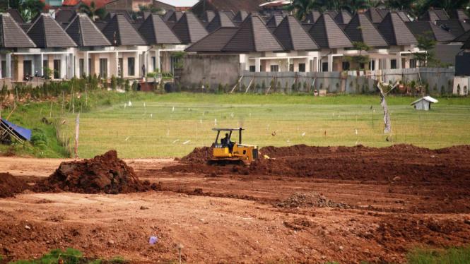 Pembangunan kompleks perumahan.