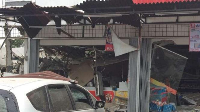 Ledakan di PHD Jatiwarna Bekasi
