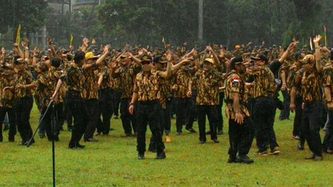 Ketua Umum Partai Golkar Setya Novanto menutup acara AMPG