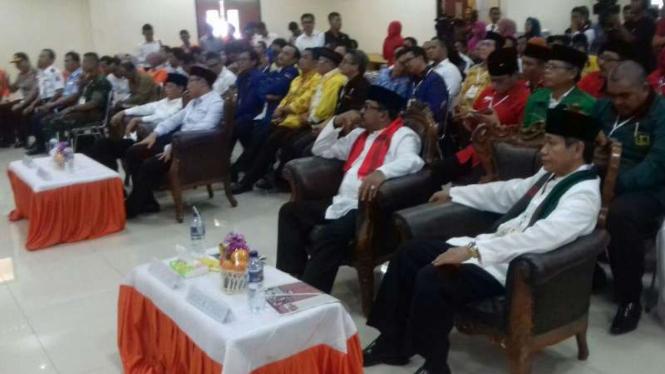 Dua pasangan calon Pilkada Banten pada Rapat Pleno KPUD Banten