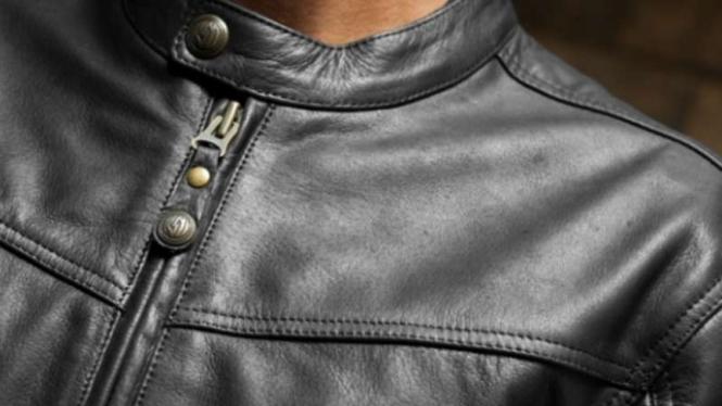 Jaket kulit untuk naik motor.