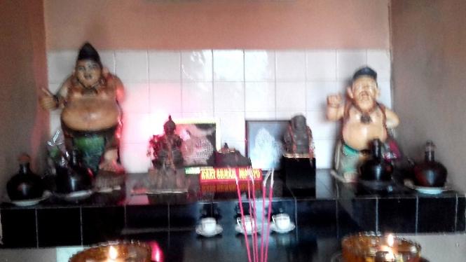Kongco Kaki Semar Ismoyo di kuil Budi Luhur Sejati juga diincar pencuri.