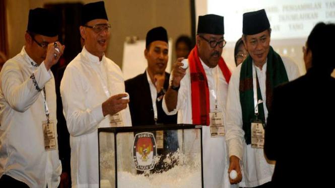 Dua calon Gubernur dan Wakil Gubernur Banten mengambil nomor urut