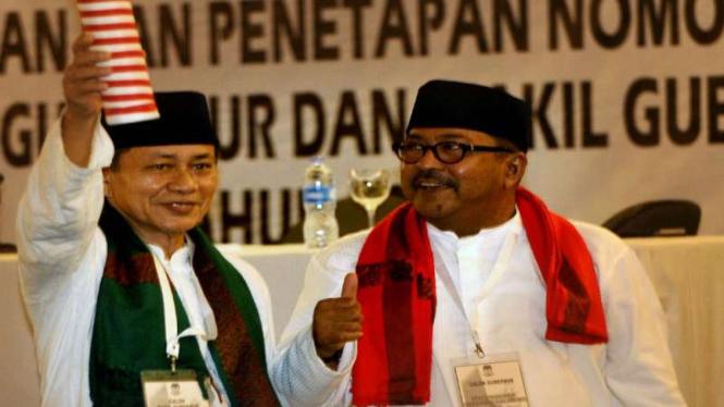 Pasangan Cagub-Cawagub Rano Karno (kanan)-Embay Mulya Syarif (kiri)