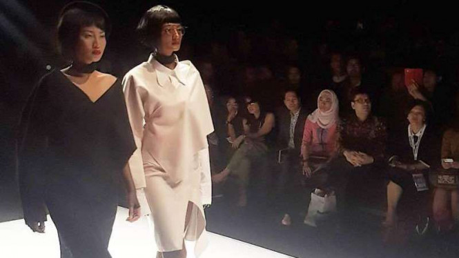 Koleksi Patrick Owen di Jakarta Fashion Week