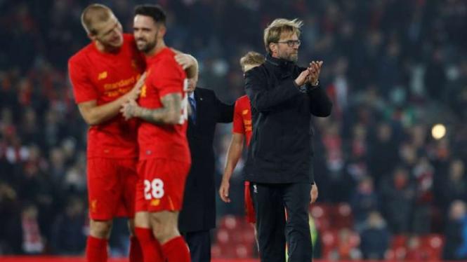 Para pemain Liverpool rayakan kemenangan atas Tottenham Hotspur