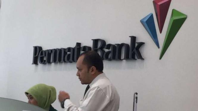 Aktivitas di Bank Permata
