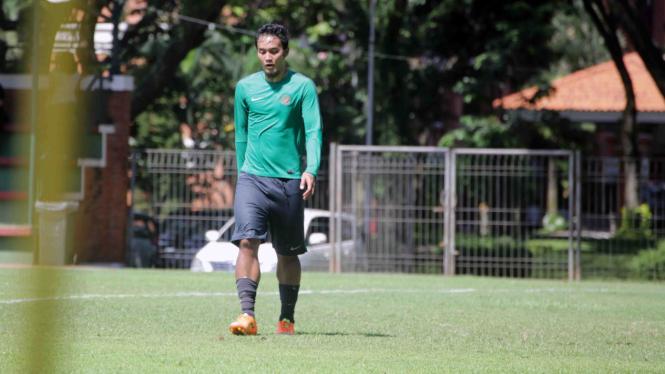 Bek Persija Jakarta, Gunawan Dwi Cahyo, saat berlatih bersama Timnas Indonesia.