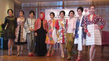Ketika Fesyen Dorong Gaya Hidup Tanpa Rokok – VIVA 061449f074