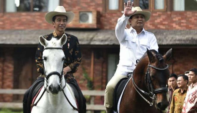 Presiden Jokowi bersama Ketua Umum Partai Gerindra, Prabowo Subianto.