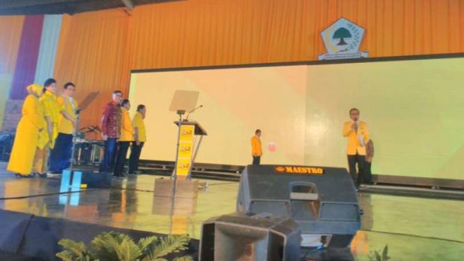 Peringatan HUT Golkar ke-52 di Surabaya.
