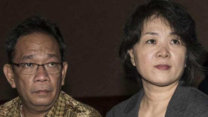 Pemilik CV Semesta Berjaya Xaveriandy Sutanto (kiri) dan istrinya Memi (kanan).