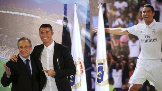 Presiden Real Madrid, Florentino Perez (kiri) dan Cristiano Ronaldo.