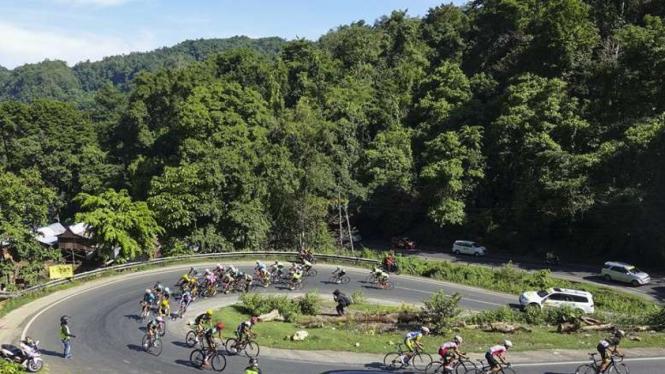 Suasana etape pertama Tour de Makassar 2016