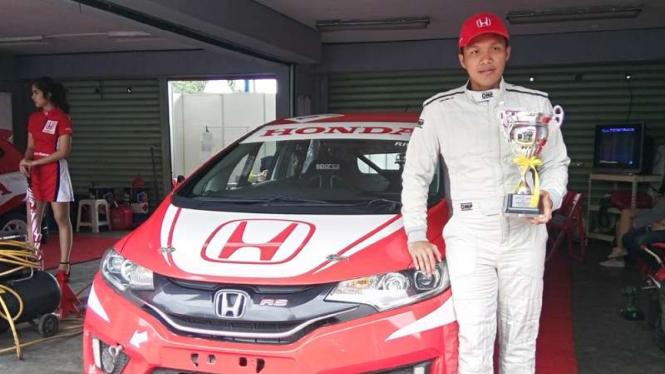 Pembalap Honda Racing Indonesia, Rio SB