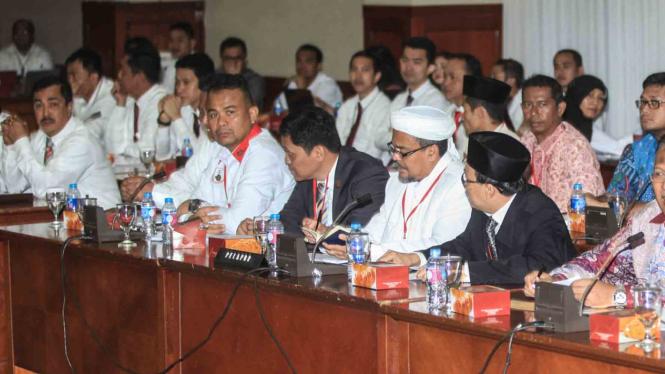 Gelar perkara dugaan kasus penistaan agama oleh Gubernur DKI Jakarta nonaktif Basuki Tjahaja Purnama.