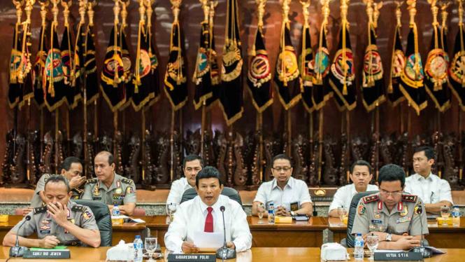 Mabes Polri tetapkan Gubernur DKI Jakarta nonaktif Basuki TJahaja Purnama sebagai tersangka.