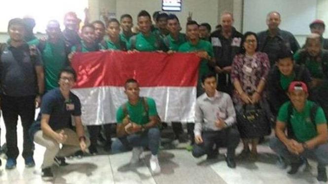 Timnas Indonesia saat tiba di Bandara Udara Ninoy Aquino, Manila.