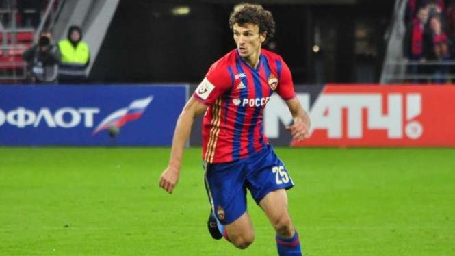 Gelandang CSKA Moscow, Roman Eremenko