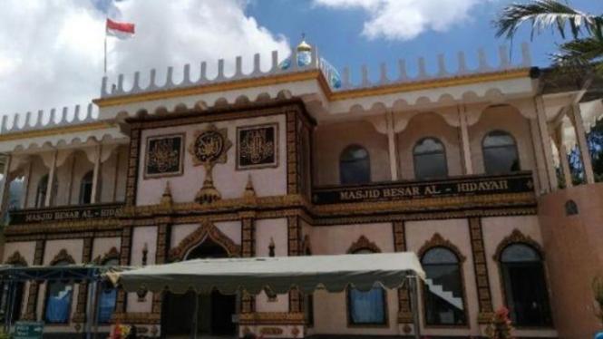 Masjid Besar Al-Hidayah.