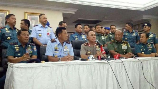 Kapolda Metro Jaya Irjen M Iriawan konferensi pers sinergi Polri-TNI