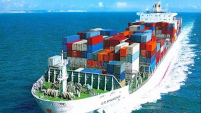 Ilustrasi pengiriman barang impor.