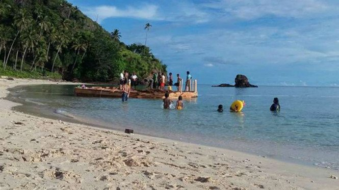 Pulau Mahoro Siau, salah satu tempat syuting beberapa artis Korea Selatan untuk mempromosikan pariwisata Sulawesi Utara.