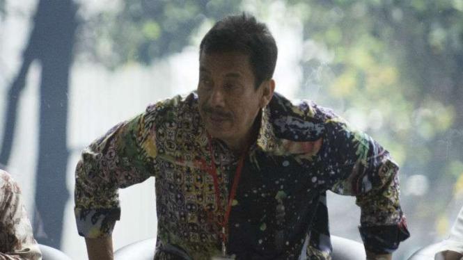 Wali Kota Madiun, Bambang Irianto, saat diperiksa KPK.