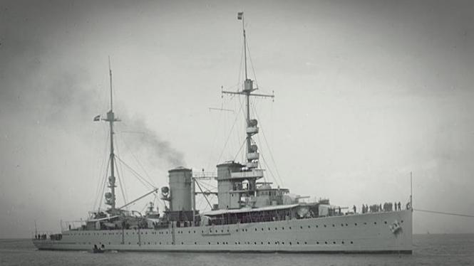 Kapal perang sekutu.