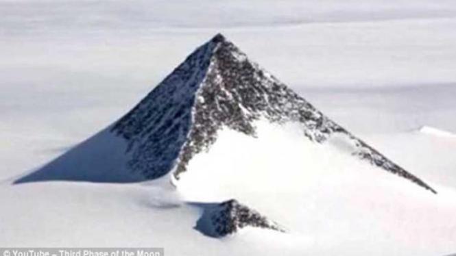 Piramida misterius di Antartika.