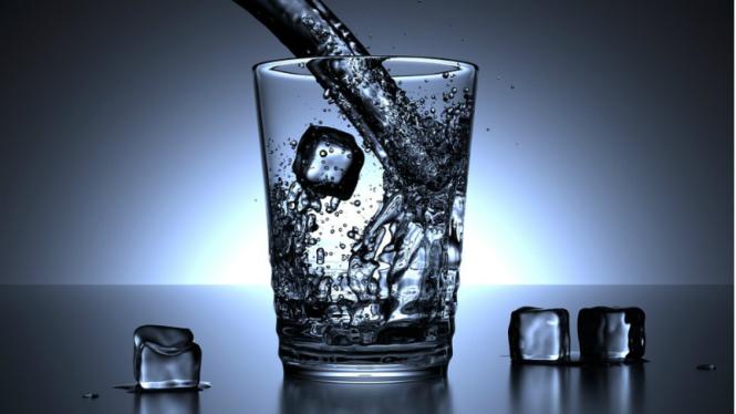 Ilustrasi air dingin/air es