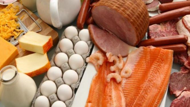 Perhatikan kandungan nutrisi dalam makanan.