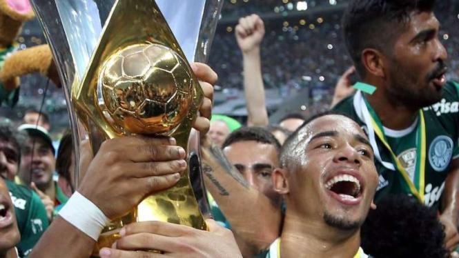 Gabriel Jesus rayakan gelar Liga Brasil bersama Palmeiras