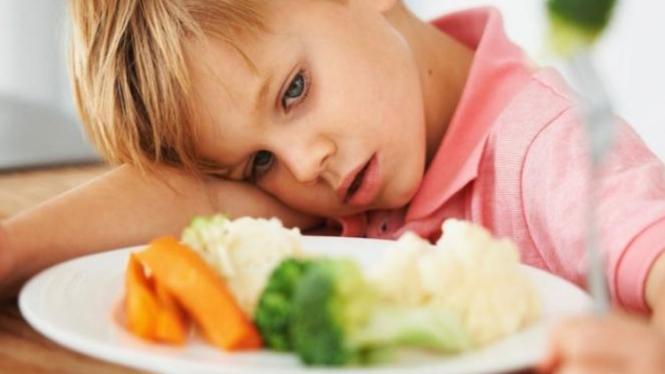 Asupan nutrisi anak.