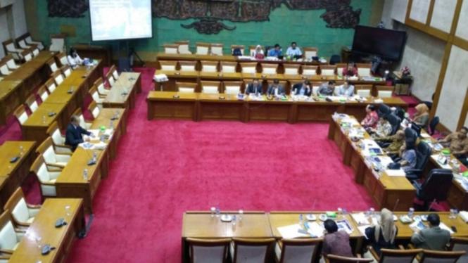 Komisi XI DPR RI Gelar Fit and Proper Test Calon Deputi Gubernur BI