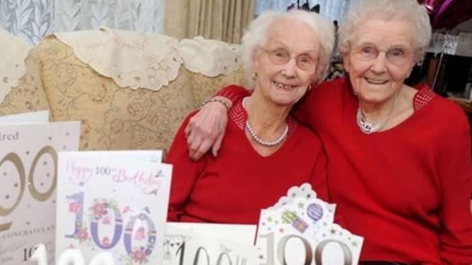 Kembar Usia 100 Tahun, Irene Crump dan Phyllis Jones