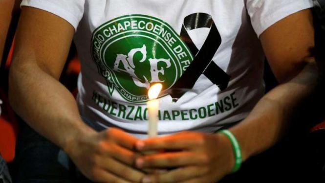 Suasana duka menyelimuti klub Chapecoense pasca insiden pesawat.